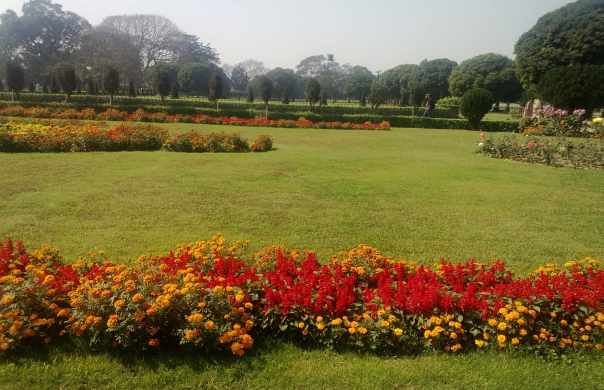 Vast gardens surrounding victoria memorial
